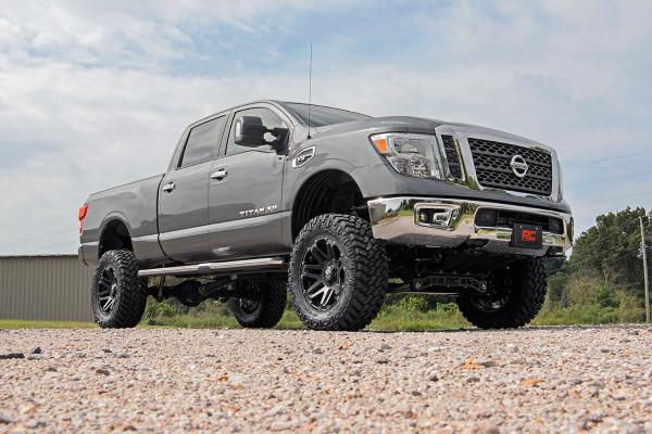 La Nissan Titan y XD ofrecen la posibilidad de tener un kit de elevación oficial