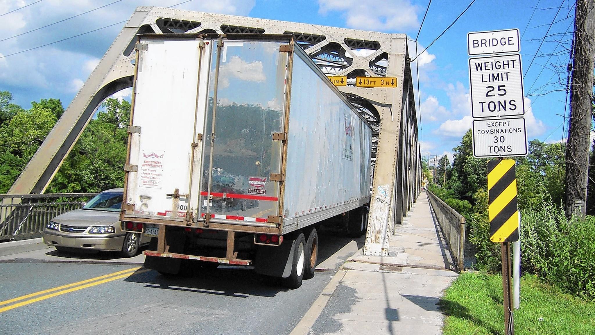 Recomendacione de Work Group para trailers que cruzan puentes